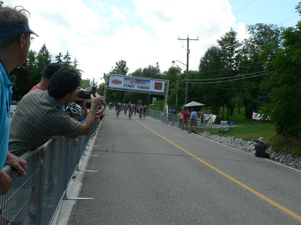 The Intermediate Race ended in a bunch sprint at the Tour de Terra Cotta.